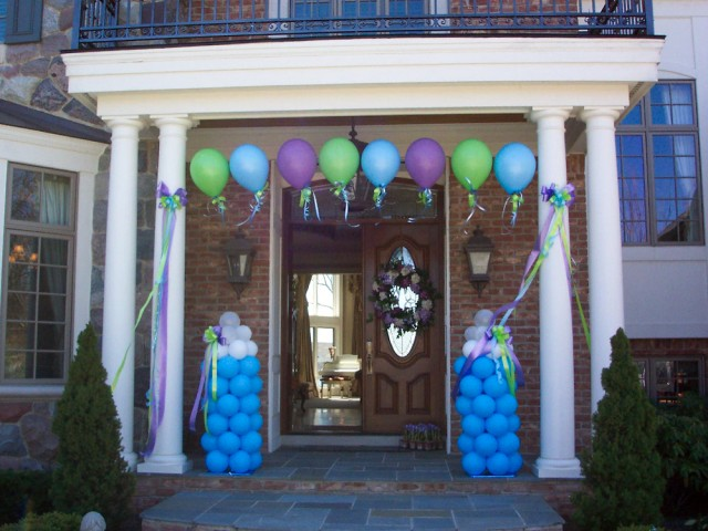 Baby Bottle Balloon Arch