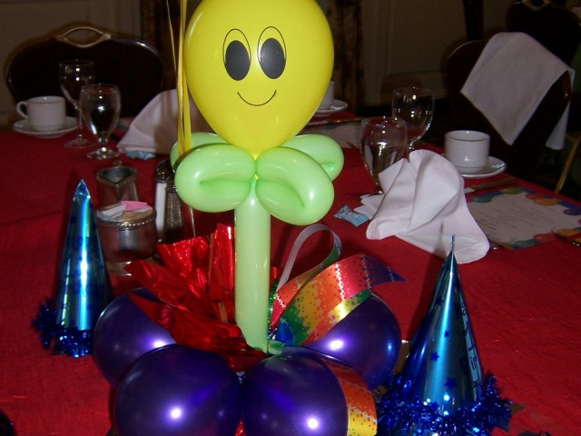 Happy Smiles First Birthday: Table Centerpiece